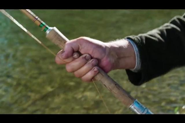 Canne saumon à deux mains Pezon & Michel ligature verte et signature bleu blanc rouge